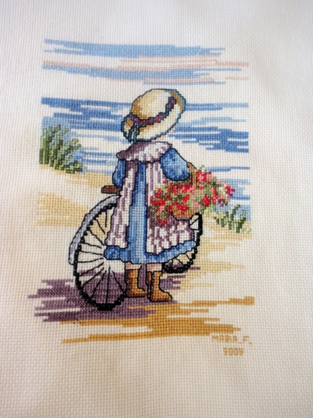 ART TEXTILE, MODE broderie fillette mer enfant Personnages  - Broderie fillette à la plage
