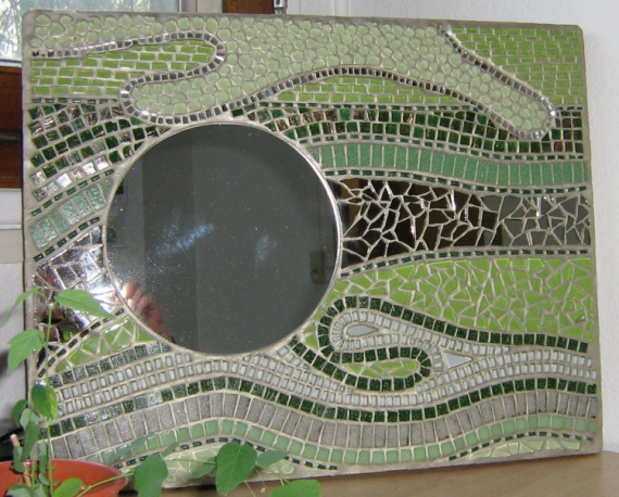 Artisanat d 39 art cration originale mosaque miroir pice unique fluidit verte for Miroir mosaique design