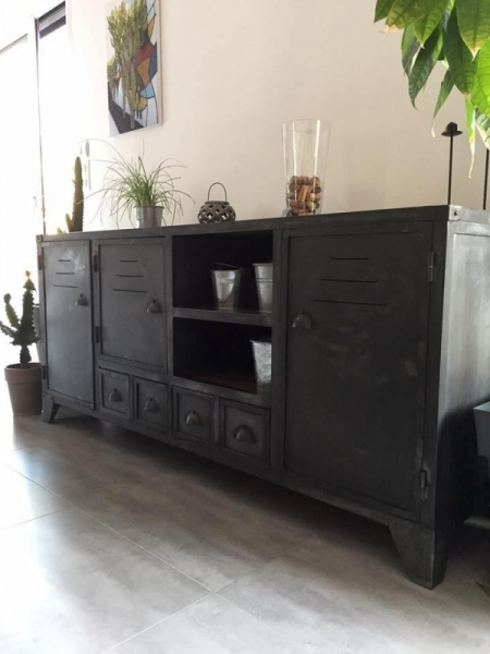 deco sur buffet deco sur buffet bas buffets bahuts trace mobilier de france decoration pour. Black Bedroom Furniture Sets. Home Design Ideas