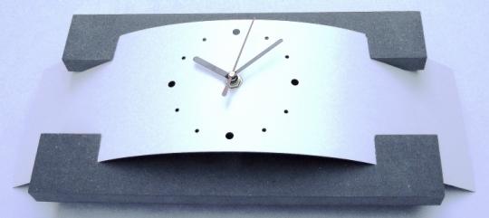 horloge blanche design maison design. Black Bedroom Furniture Sets. Home Design Ideas