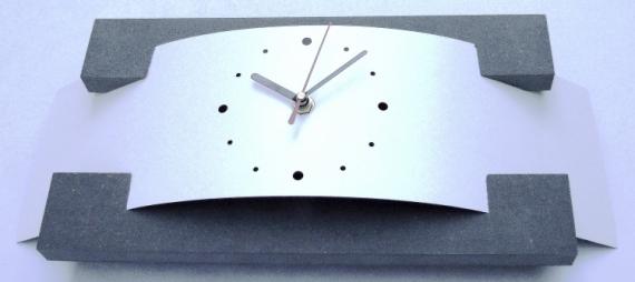 Simple dco design horloge pendule design stratifi horloge pendule design pluton blanche pendule for Pendule blanche design