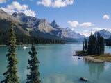 Maligne Lake, Rocky Mountains, Alberta, Canada - Hans Peter Merten