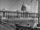 View of the Customs House in Dublin - Hans Wild