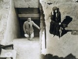 Lady Ribblesdale and Mr Stephen Vlasto at the Tomb of Tutankhamun, Valley of the Kings, 1923 - Harry Burton