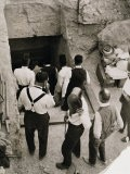 Party Going Down the Steps to the Tomb of Tutankhamun, Valley of the Kings, 1923 - Harry Burton
