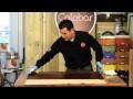Application d'huile naturelle sur bois