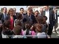 Un enfant tacle Emmanuel Macron sur sa femme - ZAPPING ACTU DU 04/08/2017