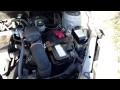Comment enlever la batterie sur Toyota Yaris 1 et accéder au fusible d'alternateur 120A