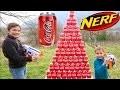 NERF COCA COLA CHALLENGE - Swan VS Néo - Tirer sur une Pyramide Géante de Canettes !