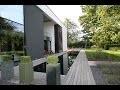 Miroir d'eau et un bassin a koi contemporain