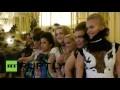 Des naines ont présenté une collection originale lors de la Semaine de la mode à Paris