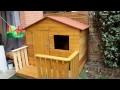 Construction cabane en bois de palette (wooden housse)
