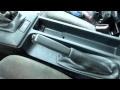 Comment démonter la console centrale sur BMW E36 : Partie 1