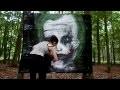 Graffiti sur cellophane, visage de personnage de comics (Bruxelles)