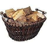 Grand panier en Osier avec des poignées en chrome soi pour porter du bois ou pour du stockage.
