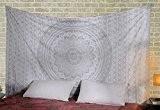 Indian White Boho Decor Mandala Floral Imprime Tenture Tapisserie en coton à la mode Par Rajrang