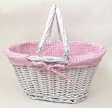 Panier en osier blanc doublé d'un tissu Vichy rose, idéal pour le shopping, le rangement ou le jardinage