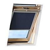 Store pour fenêtres de toit bleu foncé de VICTORIA M compatible avec Velux GGL S06 permet de faire l'obscurité complète ...