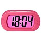 ZHPUAT Réveil Grands Chiffres 24H à Pile avec Snooze en Silicone,Lumière Colorée,Antichoc,Idéal Cadeau pour l'Enfant,Alarme Progressive,Numérique,Électronique,Pratique(Rose)