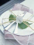 Place-Setting with Cutlery, Decorated with Raffia & Flower - Maja Smend