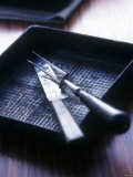 Roasting Tin with Carving Cutlery - Maja Smend