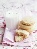 Shortbread with a Glass of Milk - Maja Smend