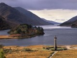 Loch Shiel and Glenfinnan Monument, Argyll, Highland Region, Scotland, United Kingdom, Europe - Patrick Dieudonne