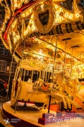 photo villes lumieres art forain chevaux de bois manege : Intemporel