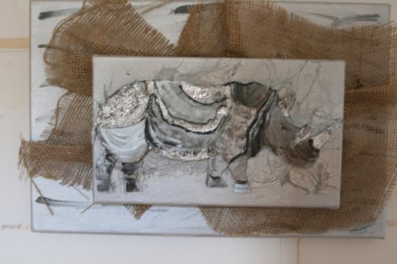 tableau toile jute metal collage peinture animaux rhinoceros p