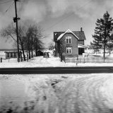 House in the Country, as Seen from Train Window - Walker Evans