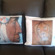 deco design lion coussin decoration animaux : Coussin wounded knee et wild sweetness