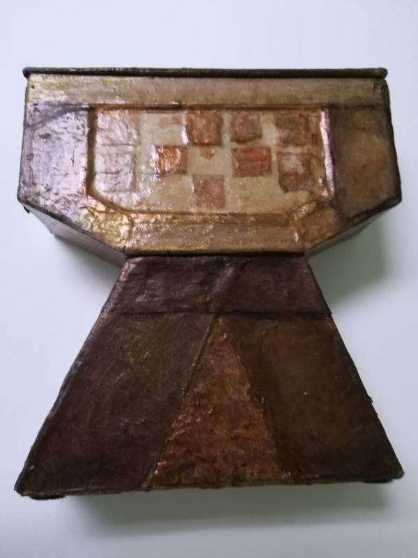 ARTISANAT D'ART style médiéval boîte à bijoux marron et beige utilitaire - Arthur