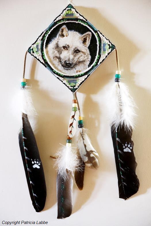 TABLEAU PEINTURE loups perles pattes attraperêves - Loup