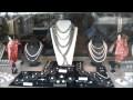 La vitrine de RUPPENTHAL PARIS (bijoux, pierres)