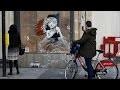 L'oeuvre de Banksy devant l'Ambassade de France à Londres a été recouverte