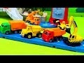 Véhicules utilitaires. Transporteur, Camion poubelle, Camion-grue, Pelleteuse,  Camion-benne