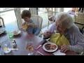 Une crèche dans une maison de retraite : une belle initiative !