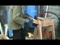 Fabrication des bardeaux de châtaignier
