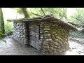 Construction d'une cabane en pierre