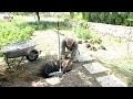Installer un robinet antigel dans un jardin - Tuto brico pour poser un robinet antigel à l'extérieur