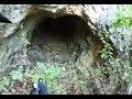 Je rentre dans une grotte tout seul. C'est une galerie d'ancienne exploitation minière.