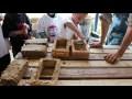 Comment façonner des briques de terre crue (adobes)