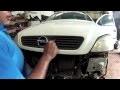 Opel Astra Type G : Ouverture du capot moteur