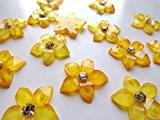 Sew sur crystls Doré Fleur Forme Strass Cabochons 15mm 2Trous Argent Diamant Gemme Pierre pour robe 60pièces