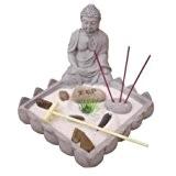 Coffret Jardin ZEN plateau surmonté d'une statuette Bouddha avec 1 porte encens, 3 bâtons d'encens, sable blanc, galets, râteau etc...