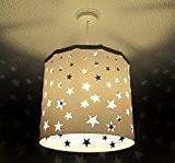 Étoiles Blanc Abat-jour Ereki + EREKI Ensemble magnétique (Plus de couleurs disponibles) projettent des étoiles claires sur le mur et ...