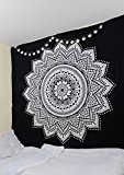 Noir Blanc mur tapisserie suspendue par rawyalcrafts- 100% coton indien Mandala Tapisserie, Bohème Décoration Murale