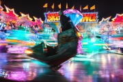 photo couleurs lumieres manege fete : Le roi du monde