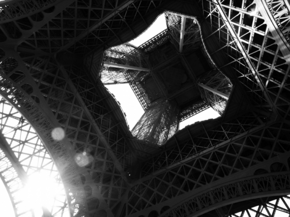 PHOTO tour eiffel paris Architecture  - Les dessous d'Eiffel