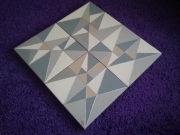 tableau abstrait triangles beige argent puzzle : triangles